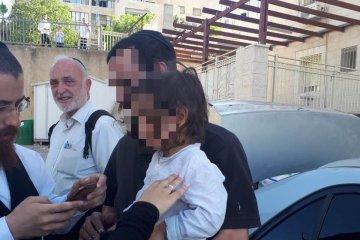 ירושלים: ילד שננעל ברכב חולץ תוך דקות בודדות