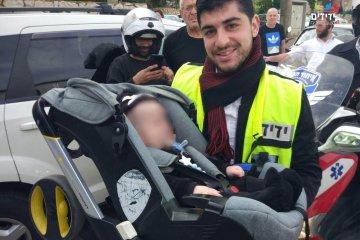 דרמה בבני ברק תינוק ננעל ברכב כונני ידידים חילצו