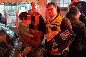 """ראשון לציון: ילד חולץ בשלום מרכב נעול ע""""י כונני ידידים"""