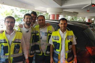 ילדה שזוהתה נעולה ברכב בקניון מלחה בירושלים חולצה בשלום על ידי כונני ידידים