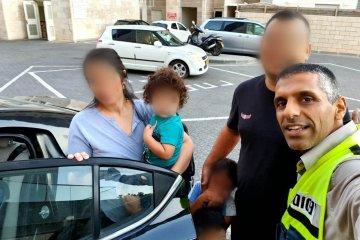 ראש העין: כונן ידידים חילץ בשלום ילד שננעל בשגגה ברכב