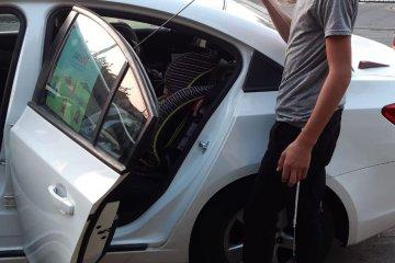 ילד שננעל בשגגה ברכב לעיני אימו בפתח תקווה חולץ בשלום על ידי כונני ידידים