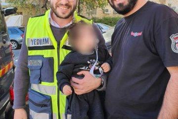 ירושלים: ילדה שננעלה ברכב בשגגה לעיני אמה חולצה בשלום על ידי כונני ידידים