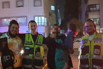 ילד כבן שנתיים שננעל בשגגה ברכב לעיני הוריו בחיפה חולץ בשלום על ידי כונני ידידים