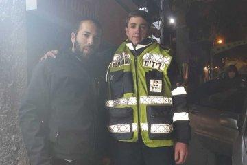 ילדה כבת שנתיים שננעלה ברכב בשגגה לעיני הוריה בירושלים חולצה בשלום על ידי כונני ידידים