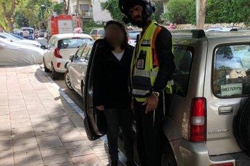 רמת גן: תינוק כבן שנתיים שננעל ברכב בשגגה לעיני אימו חולץ בשלום על ידי כונן ידידים