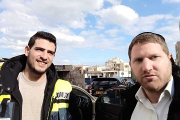 ילדה שננעלה בשגגה ברכב לעיני אמה בחיפה חולצה בשלום על ידי כונני ידידים