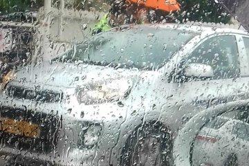 ראש העין: ילד כבן שנתיים שננעל בשגגה ברכב לעיני אביו חולץ בשלום על ידי כונן ידידים