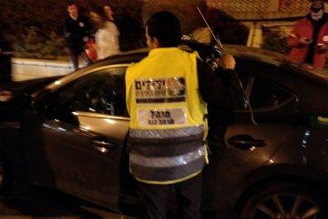 אשדוד: ילד שננעל ברכב בשגגה לעיני הוריו חולץ בשלום על ידי כונני ידידים