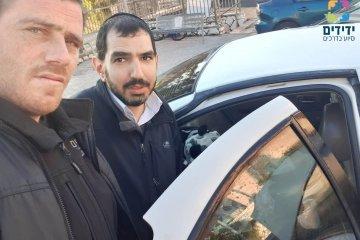 ילדה כבת 3 שננעלה ברכב בשגגה לעיני אמה בירושלים חולצה בשלום על ידי כונני ידידים