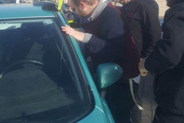 קרית יערים: ילד שננעל ברכב בשגגה לעיני הוריו חולץ בשלום על ידי כונני ידידים