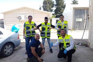 אשקלון: עשרות כוננים חלקו היום 1600 מנות אוכל לקשישים • המנות סופקו על ידי עיריית אשקלון