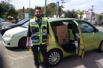 אשדוד: כונני ידידים חילקו 8500 חבילות מזון לקשישים בעיר הנמצאים בבידוד • החבילות סופקו על ידי העירייה
