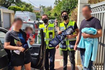 רמת גן: פעוטה ננעלה בשגגה ברכב, כונני ידידים חילצו אותה במהירות