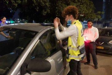אשקלון: שני ילדים נשכחו נעולים ברכב, בנס כונני ידידים חילצו אותם בשלום