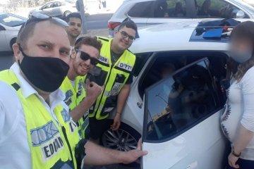ירושלים: ילדים קטנים ננעלו ברכב, כונני ידידים חילצו אותם במהירות