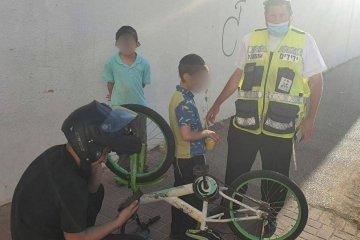 מודיעין עילית: רגלו של ילד נלכדה בגלגל אופניים • כונני ידידים חילצו אותה ושחררו את הילד בשלום