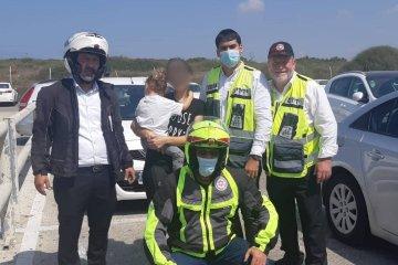 חדרה: כונני ידידים וחובשי רפואת חירום חילצו פעוט שננעל בשגגה ברכב