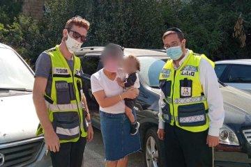 רמות: כונני ידידים חילצו פעוט שננעל בשגגה ברכב