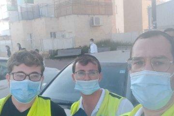מתנדבי ידידים סניף מודיעין עילית חילצו בשלום תינוק שננעל ברכב בשגגה