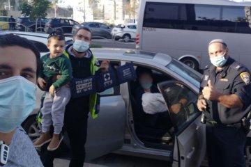 חריש: תינוק ננעל בשגגה ברכב, כונני ידידים חילצו אותו במהירות ובשלום