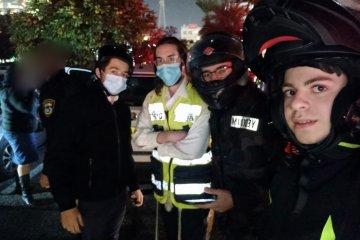 רמת גן: תינוק כבן חודשיים ננעל ברכב, כונני ידידים הגיעו במהירות למקום וחילצו אותו ללא פגע