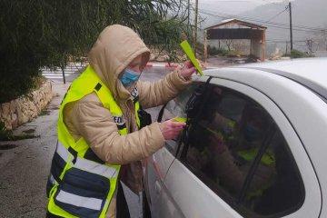 """טלמון: תינוק כבן שנתיים ננעל ברכב וחולץ בשלום ע""""י מתנדבי ידידים • בידידים קוראים להורים לאמץ """"כלל מפתח"""""""