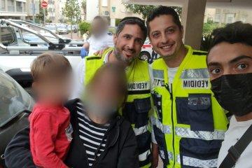 """רמת גן: פעוט ננעל ברכב לעיני אימו וחולץ בשלום ע""""י מתנדבי ידידים"""