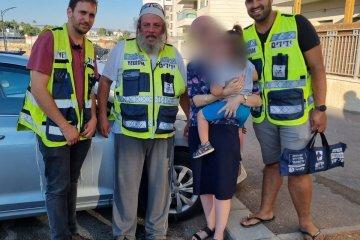 שכונת הפרחים: בן שנתיים ננעל ברכב וחולץ בשלום