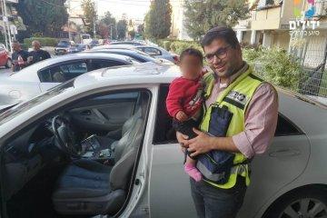 רחובות: תינוקת כבת חצי שנה חולצה מרכב נעול