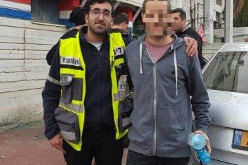 רמת גן: מתנדב ידידים חילץ ילד שננעל ברכב בעיר