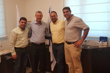 מנהלי ארגון ידידים נועדו עם שר התיירות בלשכתו בירושלים
