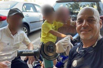 תל אביב: כונן ידידים חילץ בשלום רגל של ילד שנתקעה באופניו