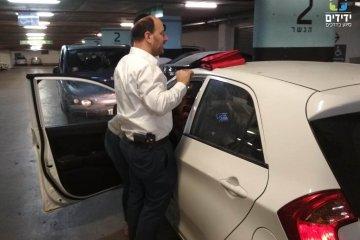 חשמונאים: פעוט שננעל ברכב חולץ במהירות על ידי ידידים