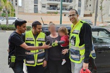 כונני ידידים חילצו בשלום ילדה שננעלה ברכב
