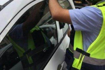 רחובות: ילד ננעל ברכב